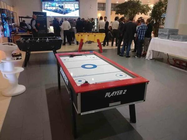 Air Hockey : de dos