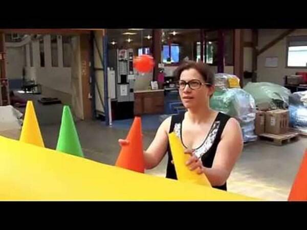 Air Ball gonflable : femme en jeu