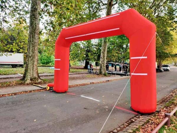 Arche gonflable - rouge en 6m x 4m