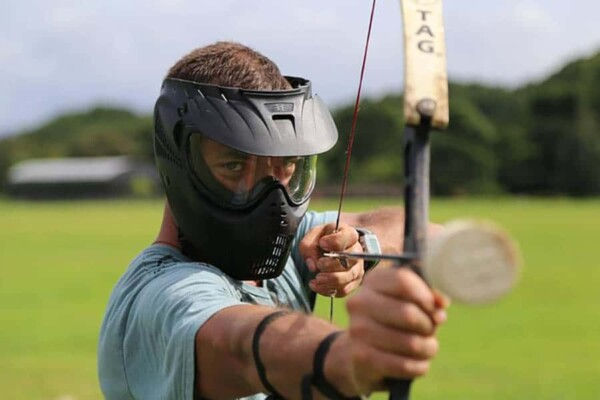 Archery tag : de face