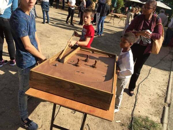 Bagatelle : enfants qui jouent