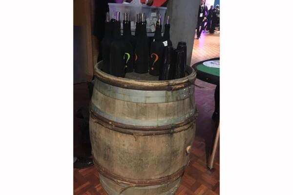 Barrique : présentoir de bouteilles