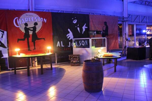 Barrique : décor dans une soirée prohibition