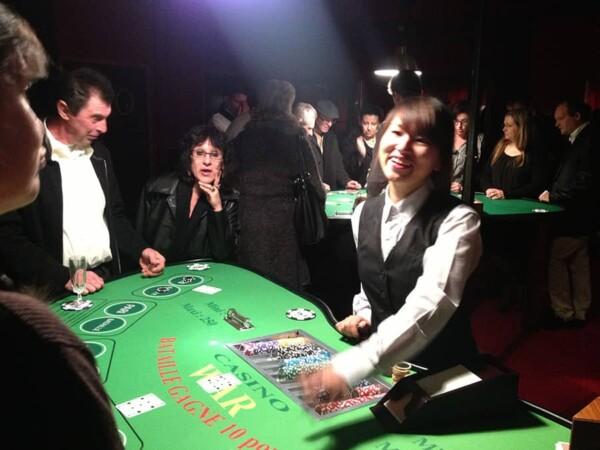 Casino - bataille - war : croupière