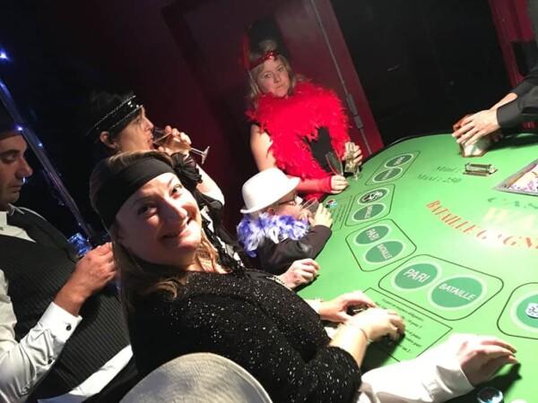 Casino - bataille - war : joueuse