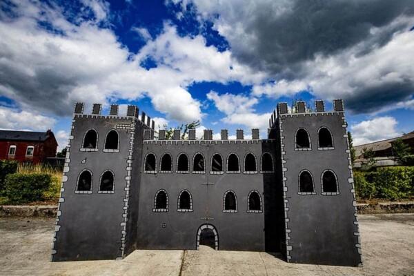 Chateau massacre : en plein ciel