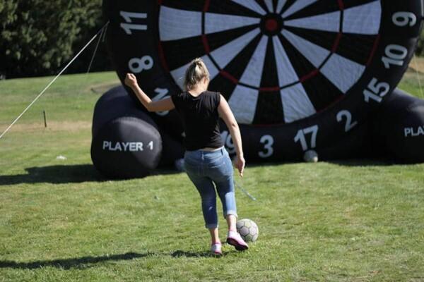 Coupe de foot : elle shoote