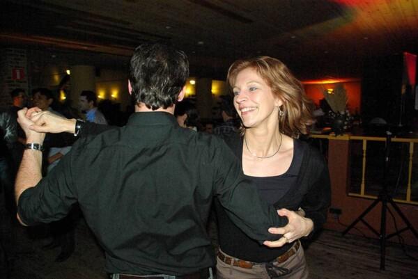 DJ Party : elle danse