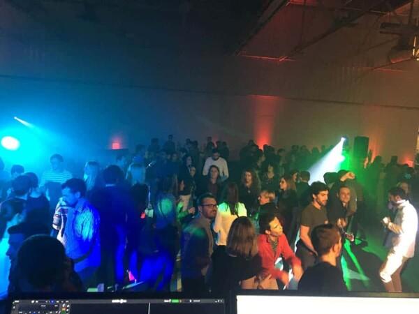 DJ Party : au dessus du public