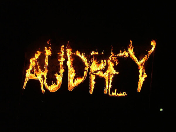 Lettres enflammées audrey 2