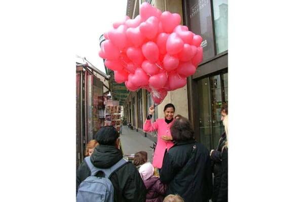 Distribution de ballons : street marketing