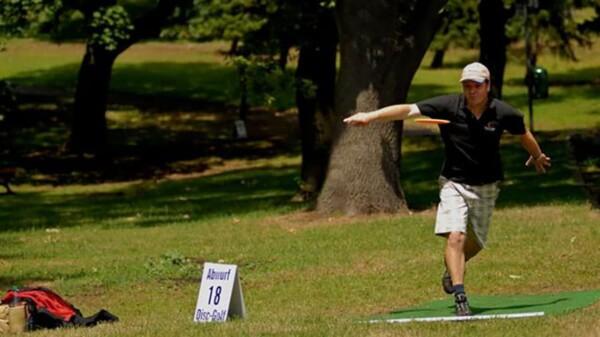 Frisbee golf : lancer de loin