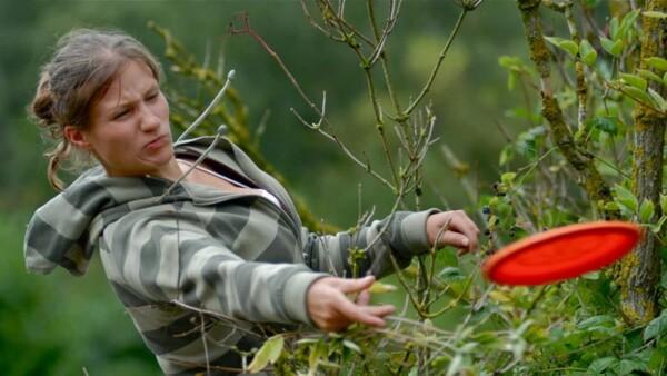 Frisbee golf : dans les arbustes