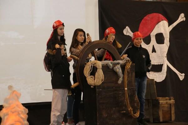 Gouvernail du Pirate : avec les jeunes moussaillons