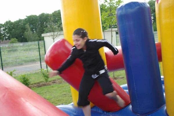 Parcours de course gonflable : course