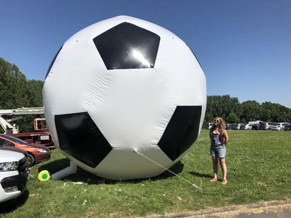 Ballon 5m : avec fille à côté