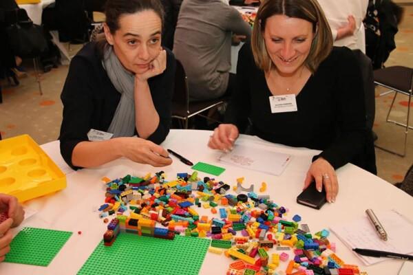 Lego : réflexion de groupe