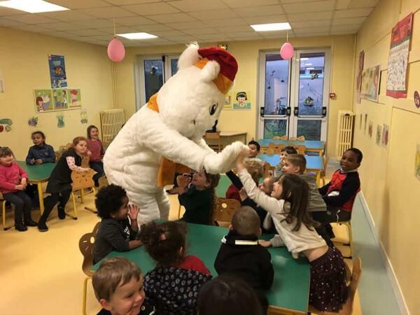 Mascotte Ours blanc de Noël : à l'évole