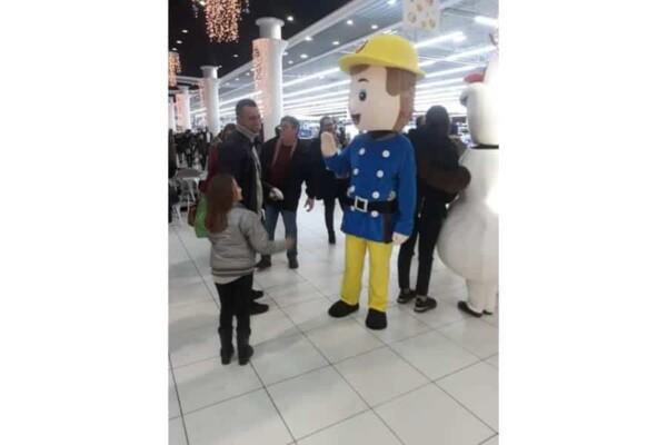 Mascotte Sam le Pompier : dans la galerie marchande