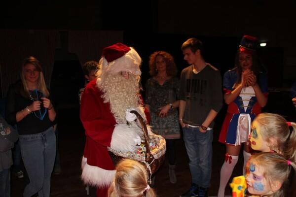 Noël au Cirque : l'arrivée du Père Noël