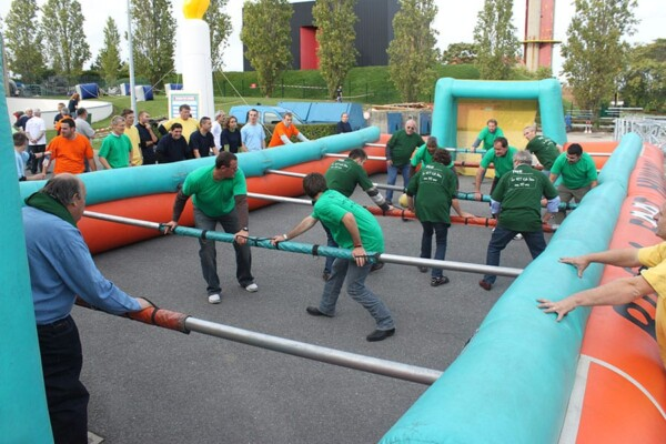 Olympiades gonflables : baby sur macadam