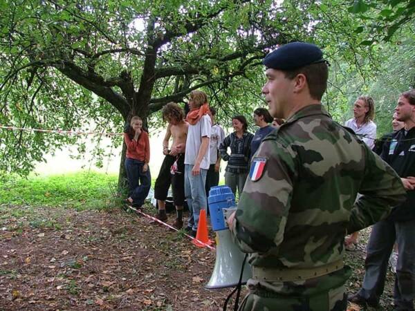 Opération commando : militaire à l'affût