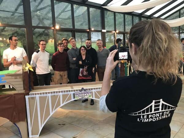Pont de l'impossible team building : photo finale