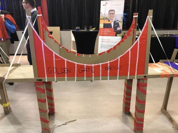 Pont de l'impossible team building : le pont rouge