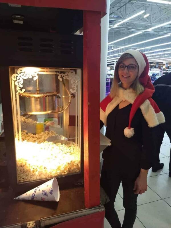 Stand Popcorn - opératrice Noël