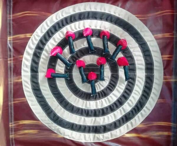 Lancer de fléchettes gonflables : haches rouges