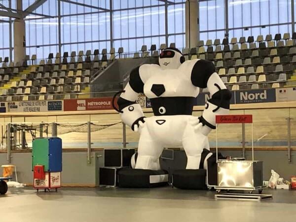 Robot géant : photo au vélodrome