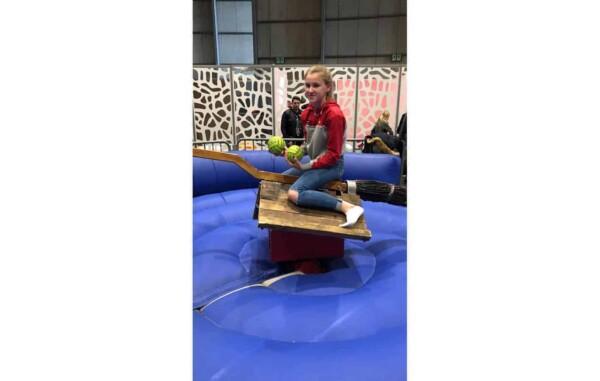 simulateur de Quidditch - fille en jeu