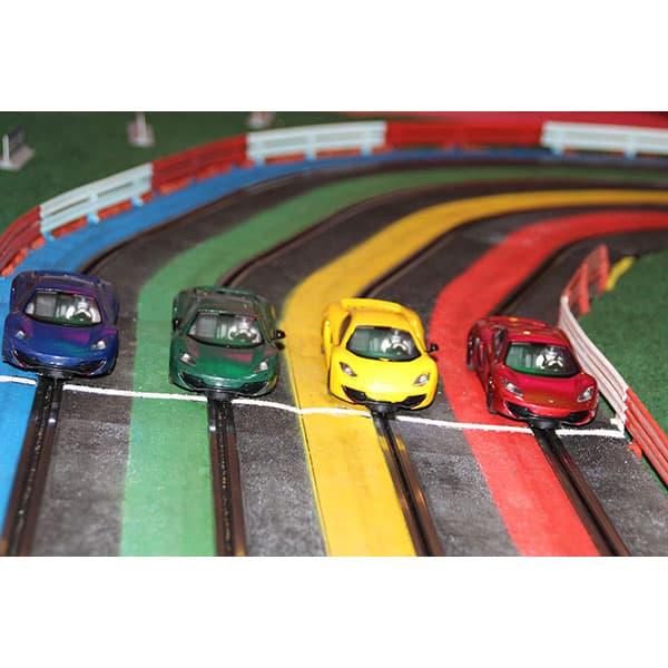Slot car : gros plan sur les voitures
