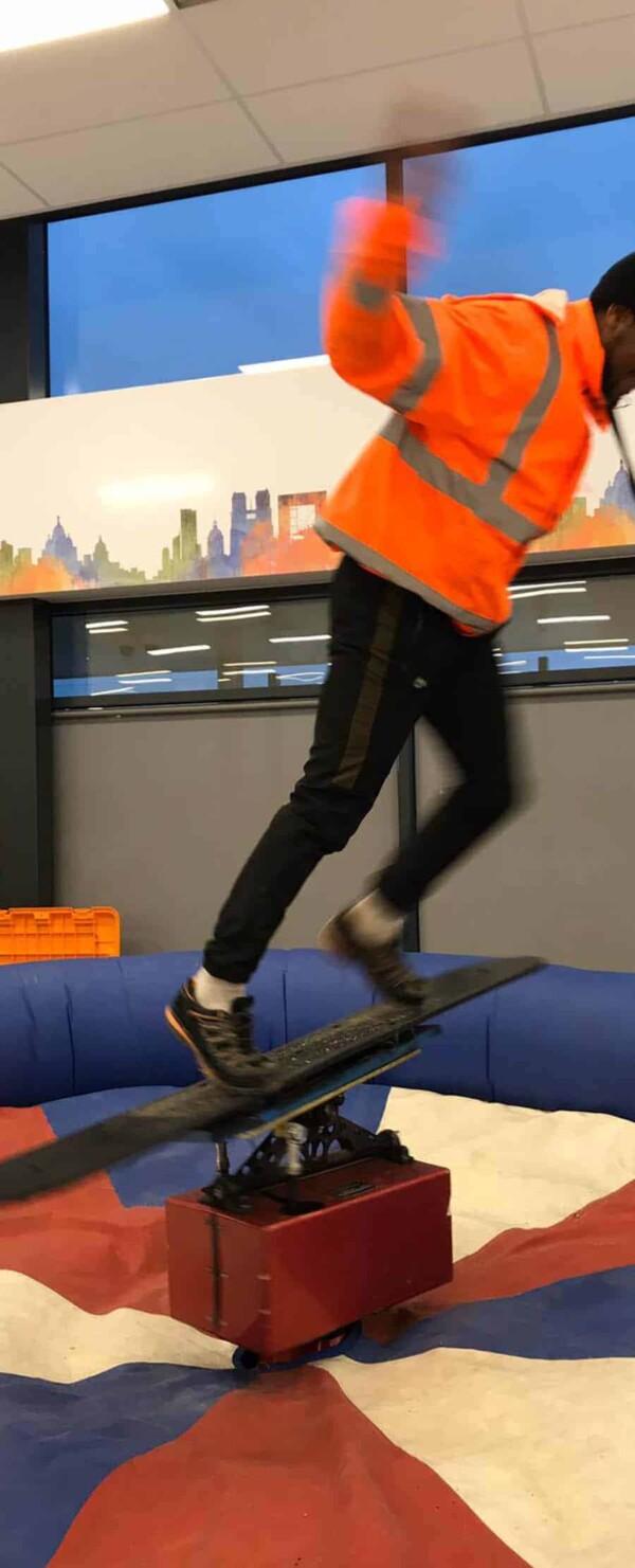 simulateur snowboard mécanique : chute