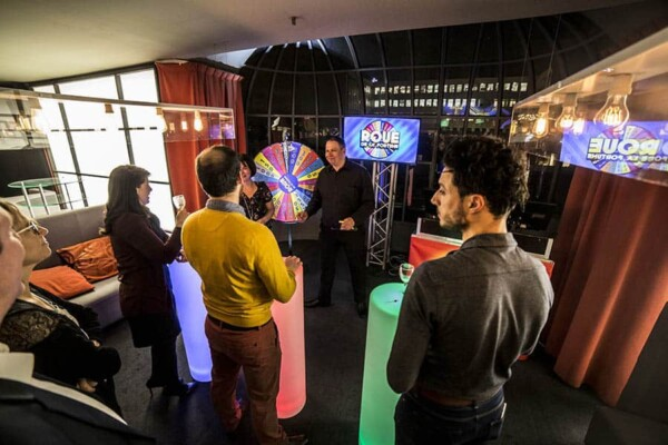 TV Show : l'espace jeu de la roue de la fortune