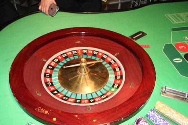 Table de Roulette : cylindre encastré
