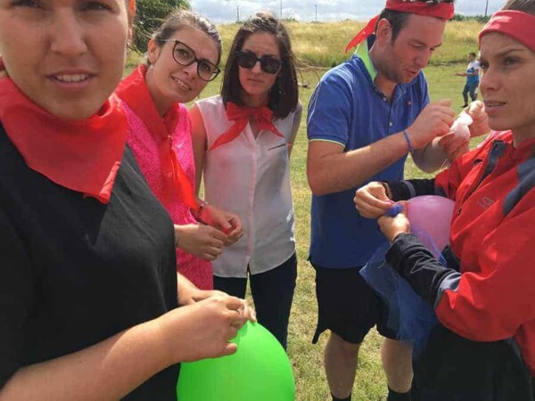 Team building la chute de l'oeuf : avec les ballons
