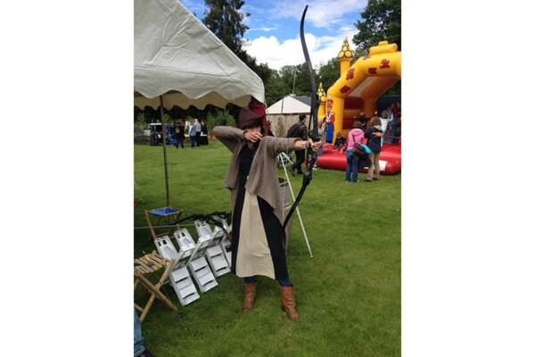 Tir à l'arc : dans un village médiéval