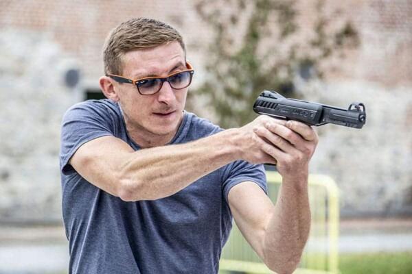 Tir au revolver : tireur