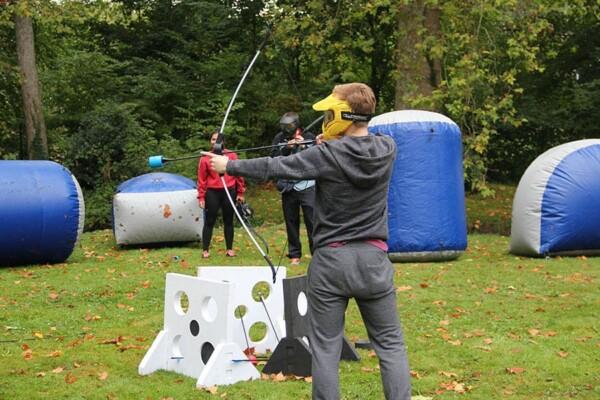 Tournoi d'archery tag : défense de la base