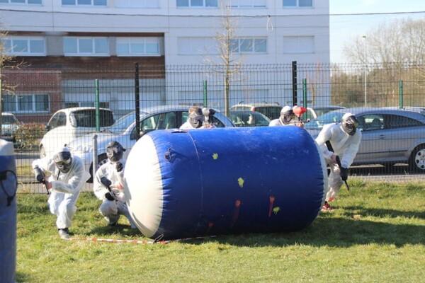 Tournoi de Paintball : départ de l'équipe