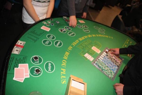 casino stud poker : le tableau de jeu