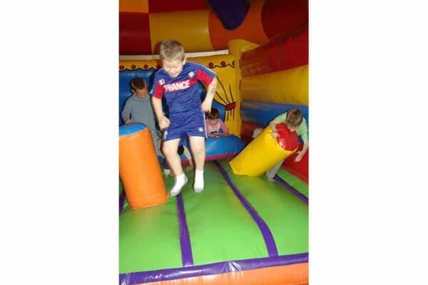 château gonflable Circus : saute