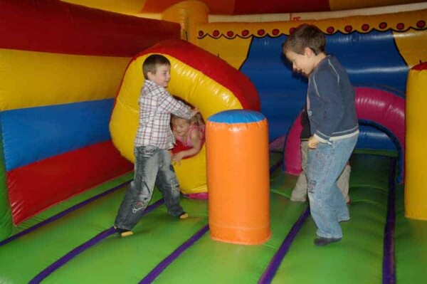 château gonflable Circus : obstacle